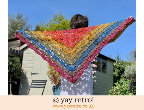 152: Butterfly Textured Crochet Shawl (£32.50)