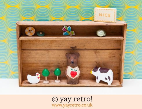 0: Vintage Wooden Display Shelf / Box (£12.50)