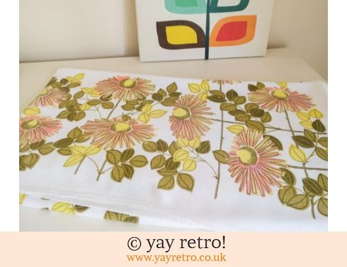 0: Gorgeous 1960/70s Flower Power Tablecloth (£12.00)