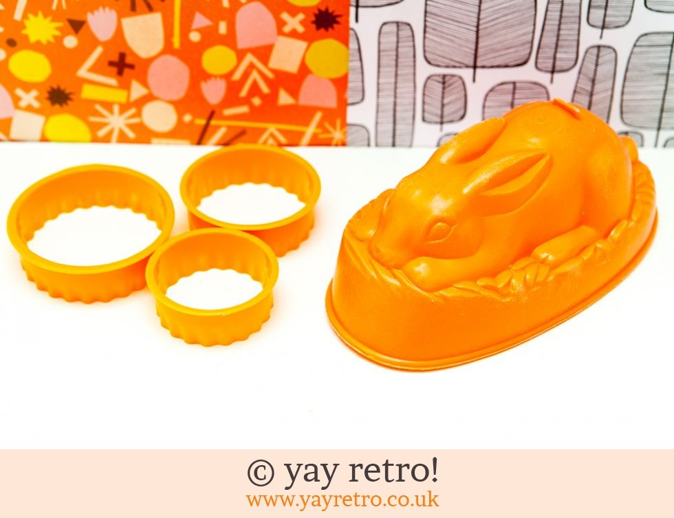 Bright Orange Rabbit Jelly Mould & Pastry Cutters (£7.00)