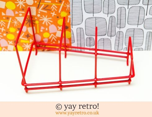 Red Wire Plate Rack (£12.00)