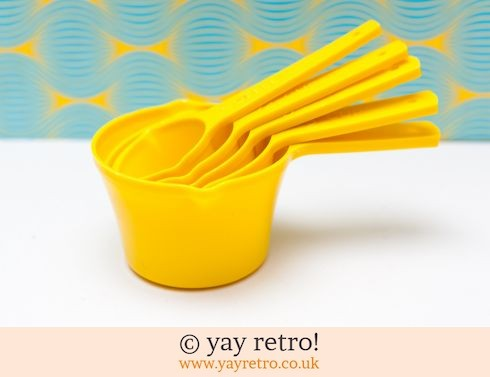 Yellow Plastic Measuring Scoops (£9.50)