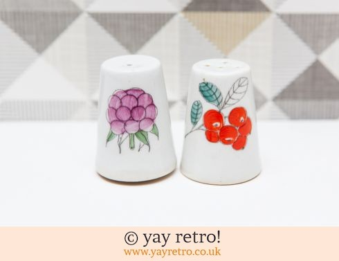 104: Arabia (Finland) Marja Salt & Pepper Sari only (£25.00)