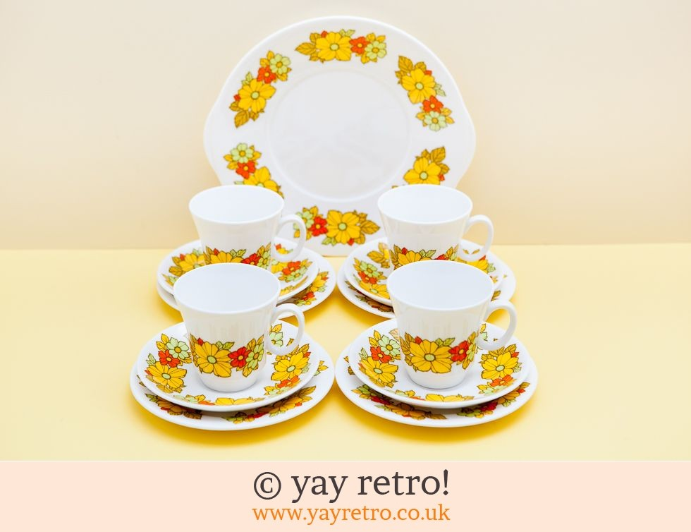 Flowery Tea set and Cake Plate (£28.00)