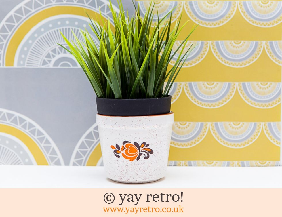 Orange Flower 70s Plant Pot (£6.00)